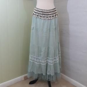 Soft surroundings puka shell layered skirt XLT *R